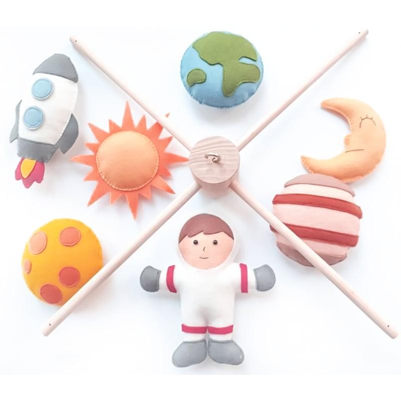 Мобіль на ліжечко для дітей Космонавт