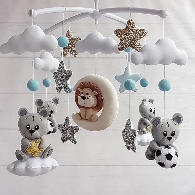 Мобиль карусель для новорожденных Мишка Футболист
