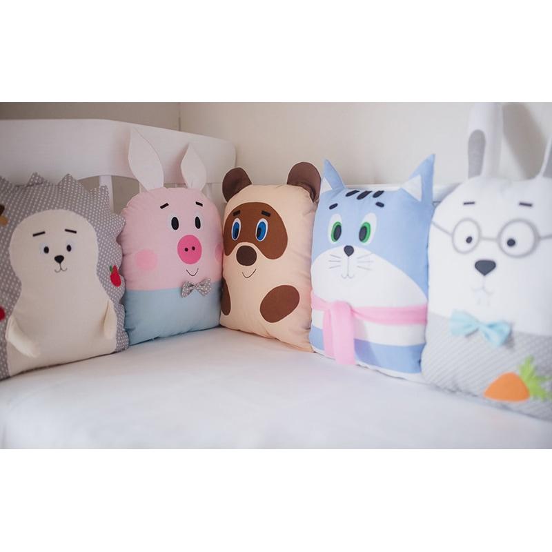 Защитные бортики-подушки в кроватку Винни Пух и Все