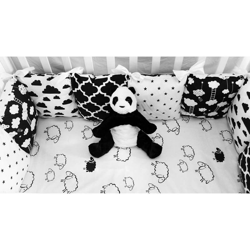 Защитные бортики в кроватку Черное и Белое