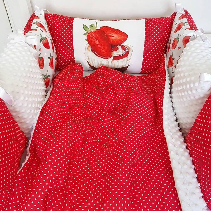 Защитные бортики-подушки в кроватку Клубничный Кейкпопс