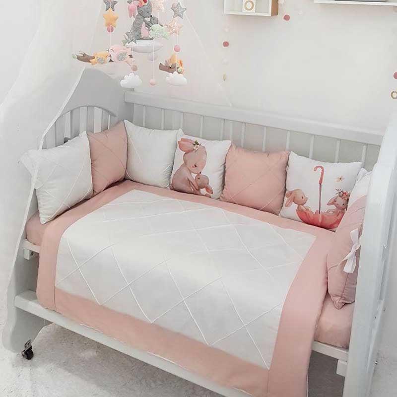 Бампери подушки в ліжечко дівчинці Мамина Зайчик