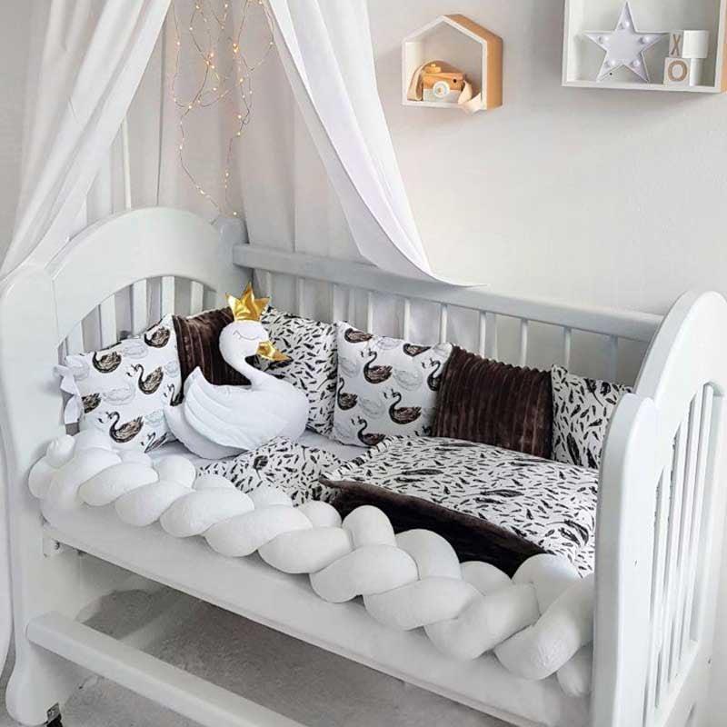 Бортики в кроватку новорожденному Лебеди