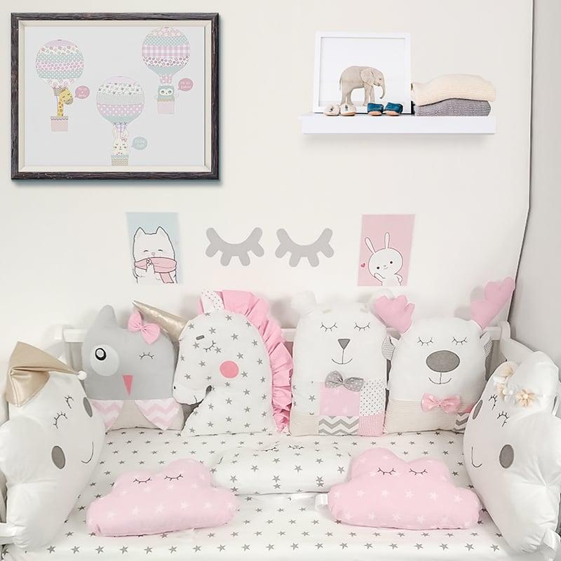 Захисні бортики в овальну ліжечко дівчинці Чарівні Тваринки