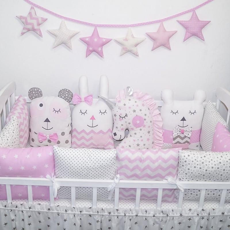 Захисні подушки-бортики в ліжечко дівчинці Зайчик