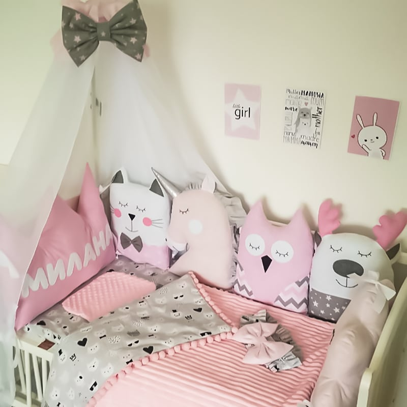 Защитные бортики в кроватку девочке Король Лев и Зайка