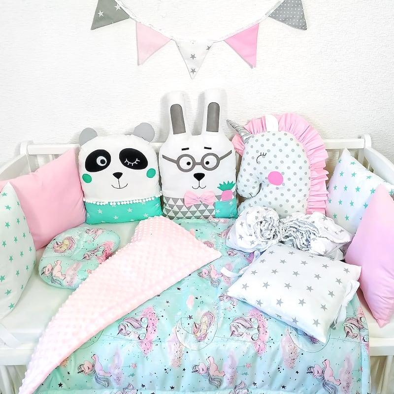 Бамперы подушки на кроватку девочке Розовый Единорог