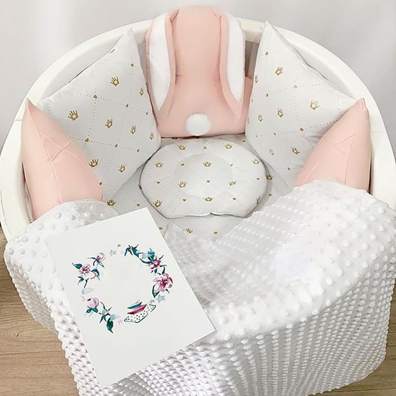 Бортики в круглую кроватку девочке Кролик Банни