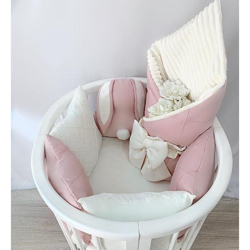 Бортики в круглую кроватку девочке Розовый Зайка