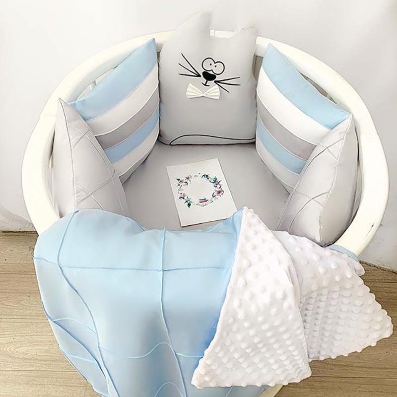 Бортики в круглую кроватку мальчику Котейка