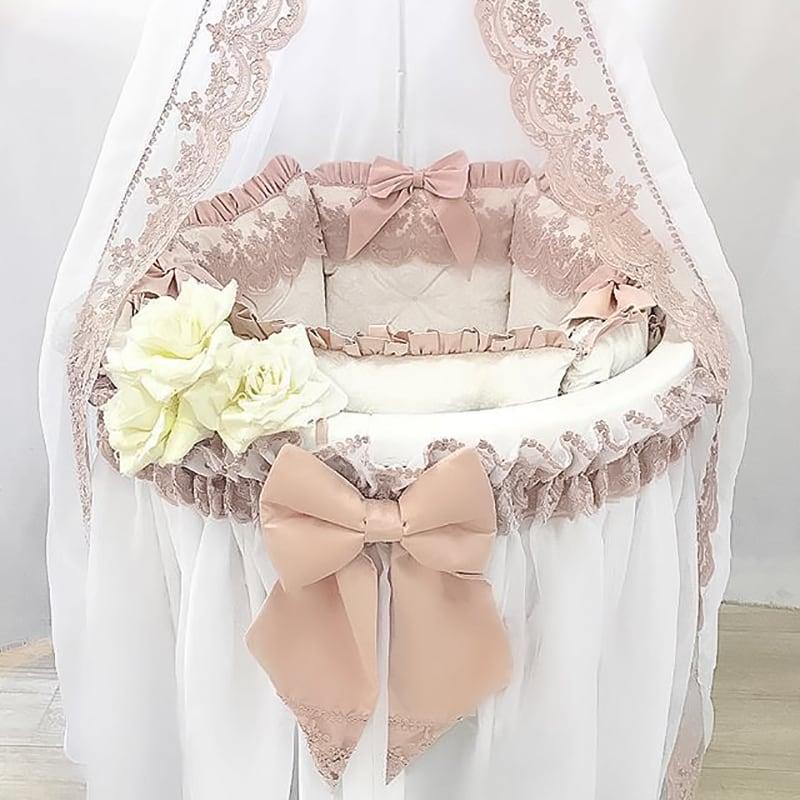 Бортики в кругле ліжечко дівчинці Троянда в Тіні