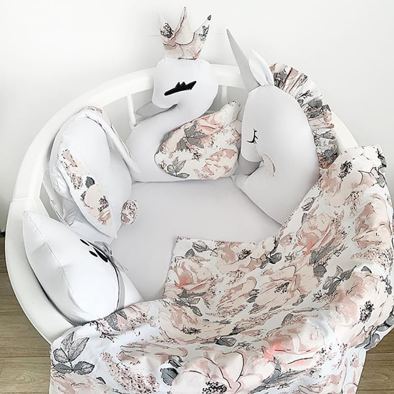 Бортик в круглую кроватку Гуси-Лебеди