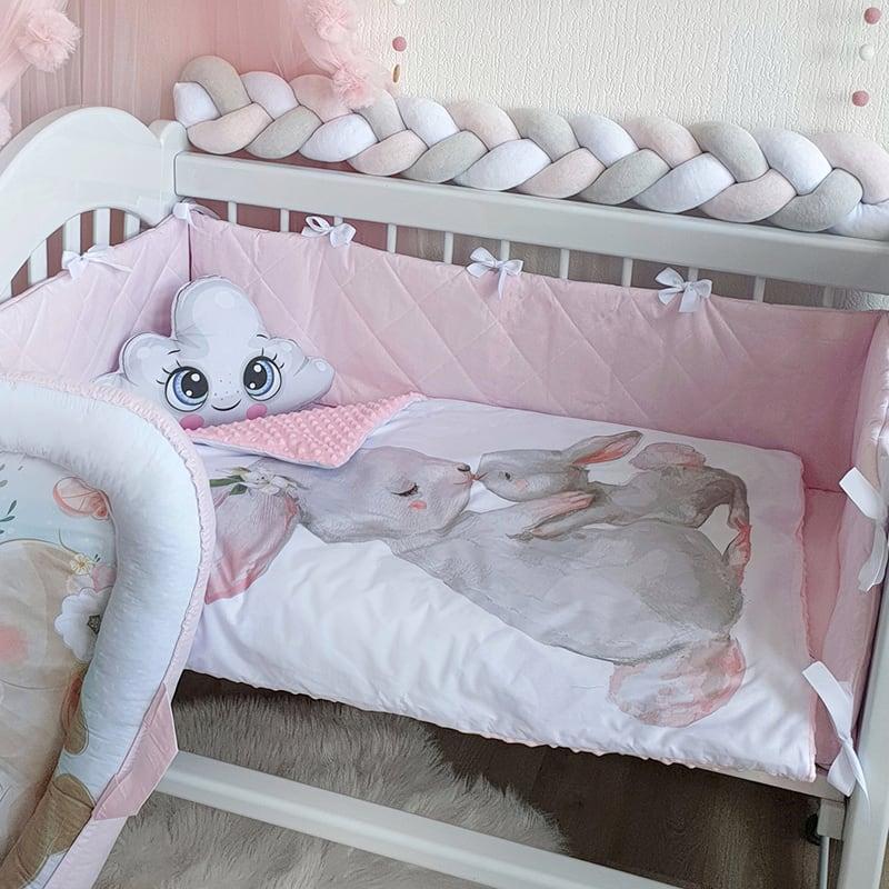 Бортик в кроватку новорожденной девочке Зайка Моя